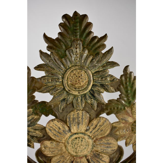 Green Continental Tôle Peinte Bouquets in Urns - a Pair For Sale - Image 8 of 11