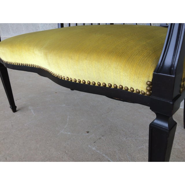 Vintage Federal Sheraton Style Dark Mahogany Settee For Sale - Image 5 of 9