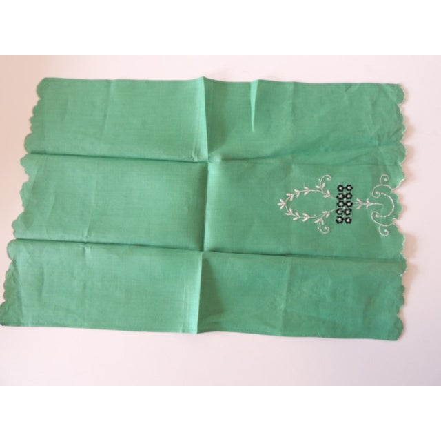Vintage Green and White Embroidered Bathroom Guest Towel For Sale - Image 4 of 5