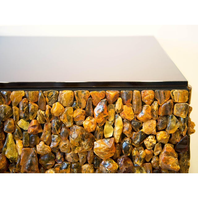 Contemporary Kam Tin - Chest of Drawers With Natural Amber and Brass, France, 2016 For Sale - Image 3 of 8