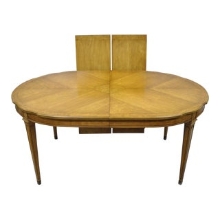 Vintage French Provincial Hollywood Regency Burl Wood Walnut Dining Room Table For Sale