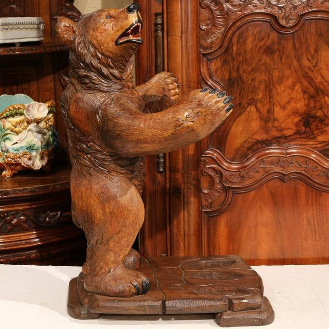 Early 20th Century French Carved Black Forest Three-Gun Holder Bear Sculpture For Sale - Image 4 of 9
