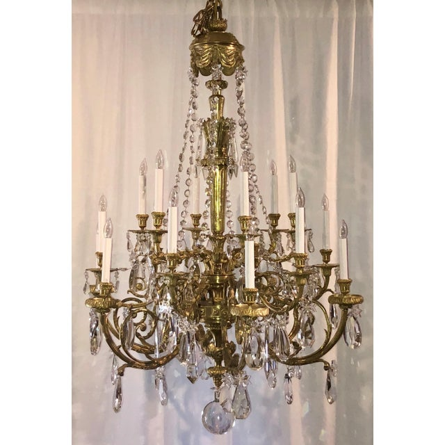 Mid 19th Century Antique Napoleon III Fine Crystal and Ormolu 18 Light Chandelier. For Sale - Image 5 of 5