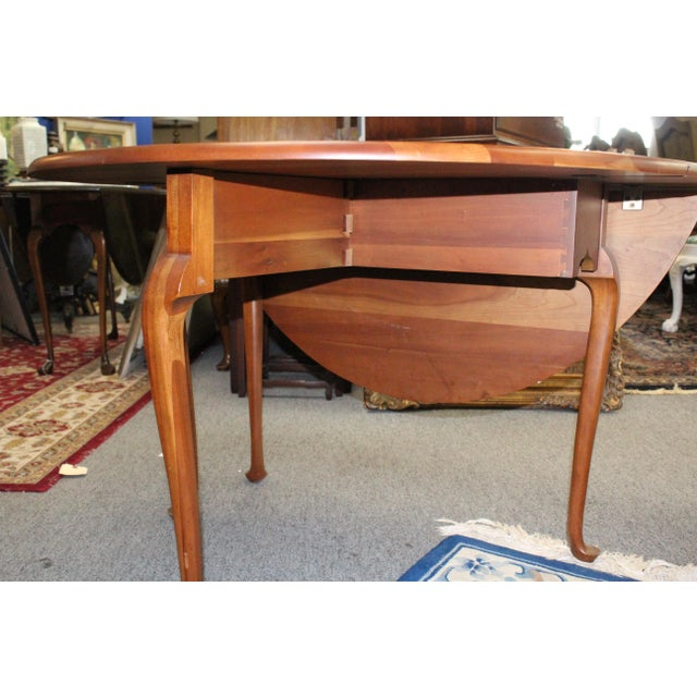 Traditional 20th Century Traditional Light Cherry Drop Leaf Table For Sale - Image 3 of 7