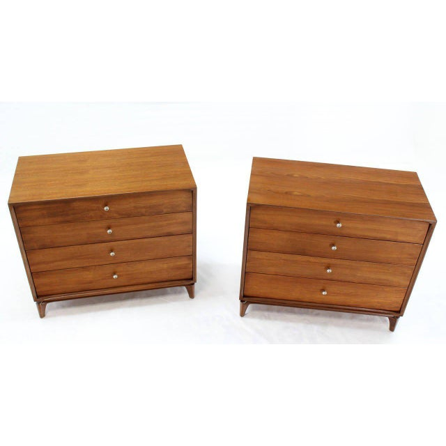 Mid-Century Modern Pair of Mid-Century Modern Walnut 4 Drawer Bachelor Chests or Dressers For Sale - Image 3 of 8