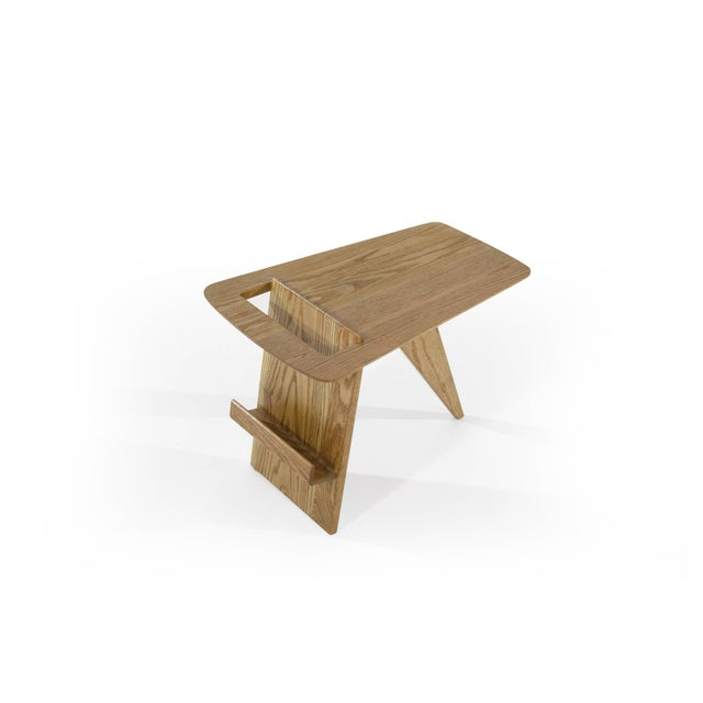 Jens Risom Magazine Table in Oak For Sale In New York - Image 6 of 10