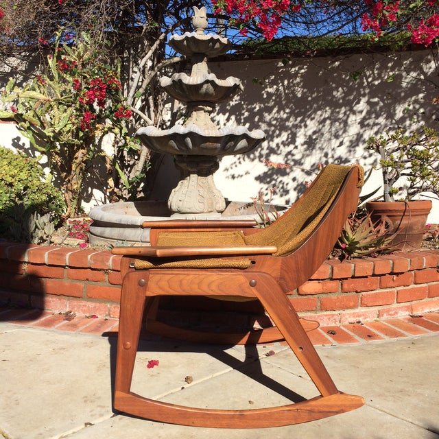 Jerry Johnson Mid-Century Sculptural Rocking Chair by Jerry Johnson For Sale - Image 4 of 11