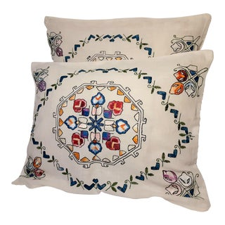Vintage Cottage Hand Embroidered Pillow Case Shams - a Pair For Sale