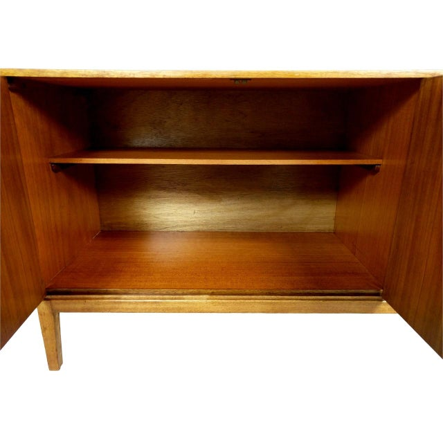 Mid-Century Modern Mid-Century Modern Wood Credenza For Sale - Image 3 of 11