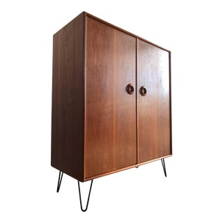 Vintage Mid-Century Danish Modern Style Gentleman Chest of Drawers For Sale