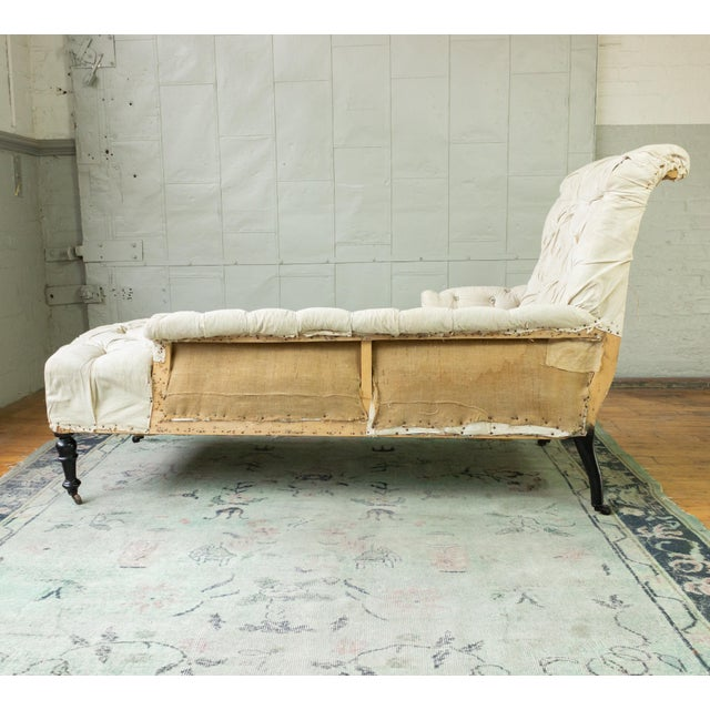 French 19th Century Napoleon III Tufted Chaise Longue With One Long Arm For Sale - Image 10 of 10