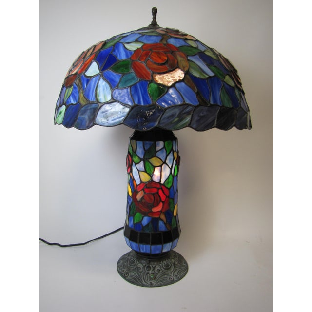 Tiffany Style Stained Glass Table Lamp - Image 4 of 5