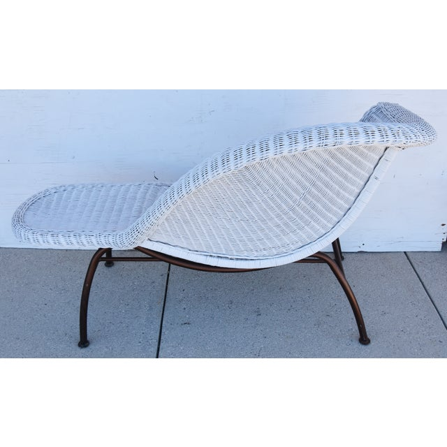 Mid 20th Century Vintage Modernistic Asymmetric Woven Wicker Chaise Lounge For Sale - Image 5 of 13