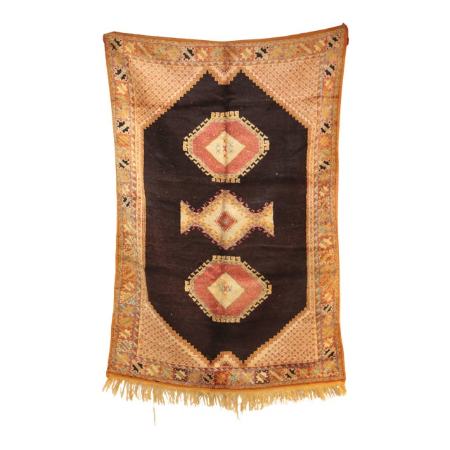 "AIT OUAGHRDA Vintage Moroccan Rug, 5'5"" x 7'10"" feet / 165 x 240 cm For Sale"