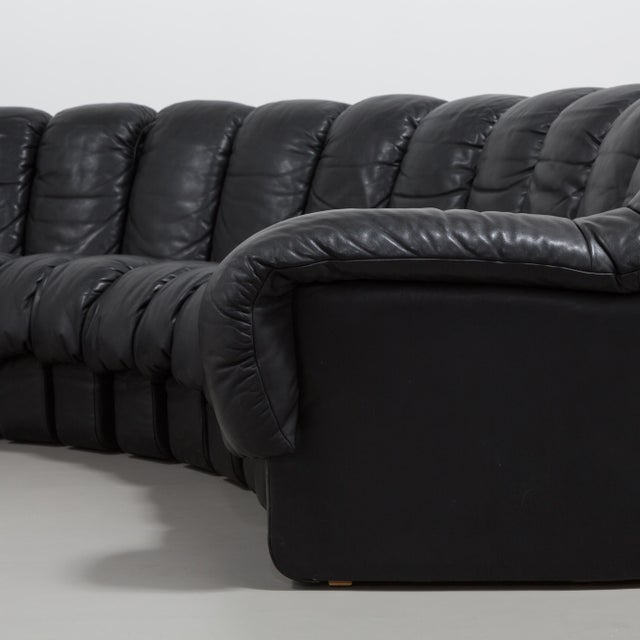 1980s A 28 Piece Black Leather De Sede DS 600 Sectional Leather Sofa 1987 For Sale - Image 5 of 10