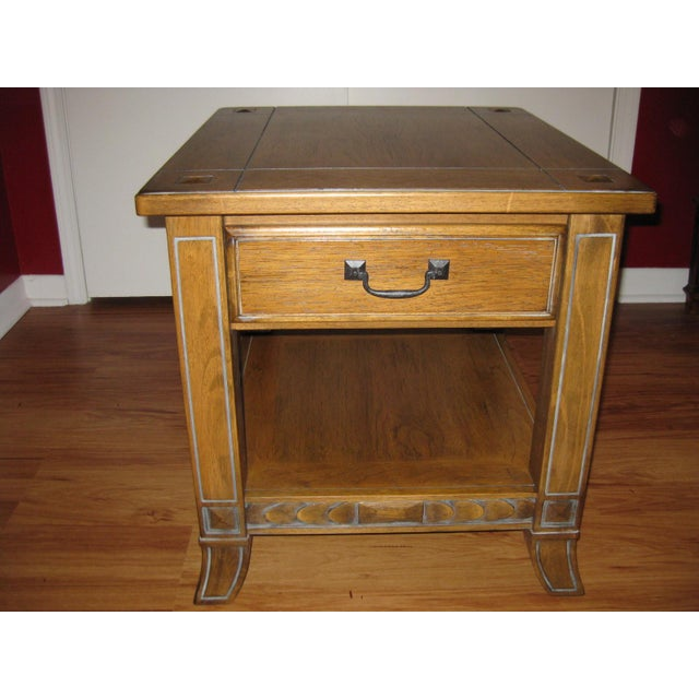Vintage, country style farmhouse living room end table. This sturdy, rustic table has 1 drawer for convenient storage and...