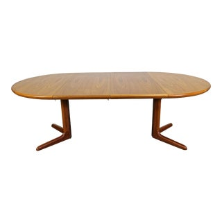 Mid-Century Danish Modern Skovby Round Extendable Teak Dining Table For Sale
