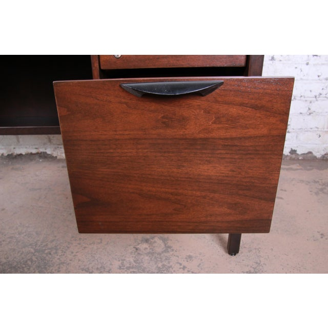 Black Jens Risom Mid-Century Modern Walnut Executive Desk, 1960s For Sale - Image 8 of 13