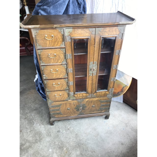 Brown Early 20th Century Chinoiserie George III Brass-Mounted Elm Armoire Cabinet For Sale - Image 8 of 8