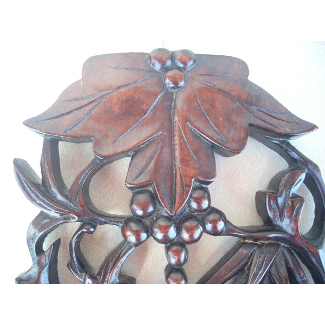 Leaf & Berry Carved Wall Plaque - Image 4 of 4
