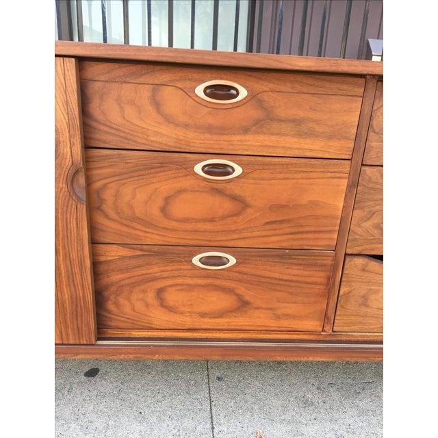 Hooker Mainline Mid-Century Modern Dresser For Sale - Image 5 of 9