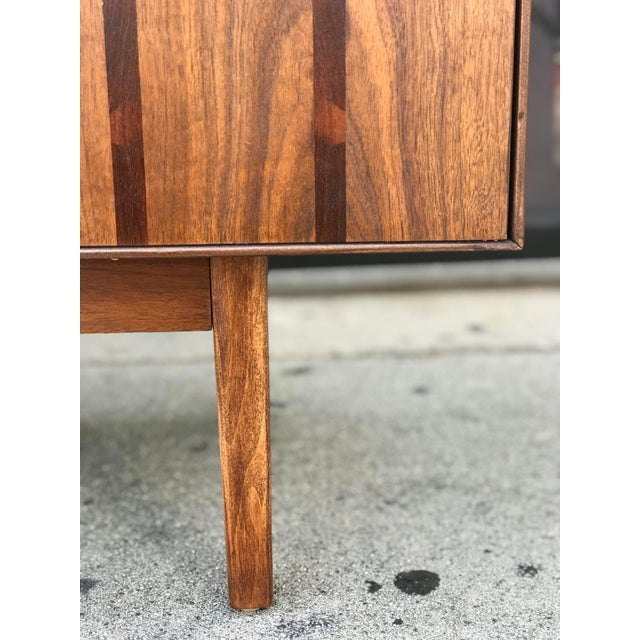 Rosewood Distinctive Furniture Credenza by Stanley For Sale - Image 7 of 13