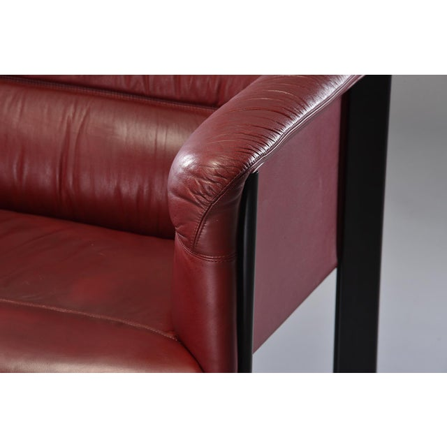1970s Poltrona Frau Mid-Century Modern Burgundy Leather Settee For Sale - Image 9 of 13