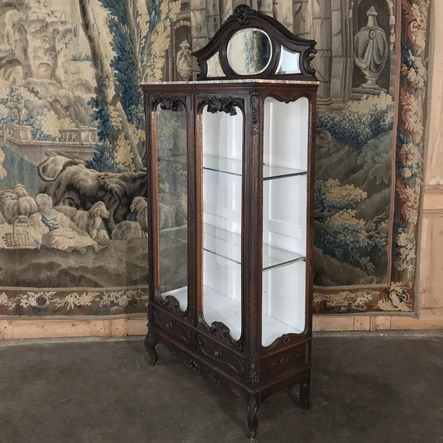 Late 19th Century 19th Century French Louis XV Marble Top Vitrine For Sale - Image 5 of 13