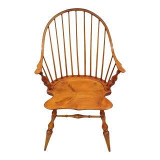 Antique d.r. Dimes Wooden Windsor Bow Back Continuous Arm Dining Chair (B) For Sale