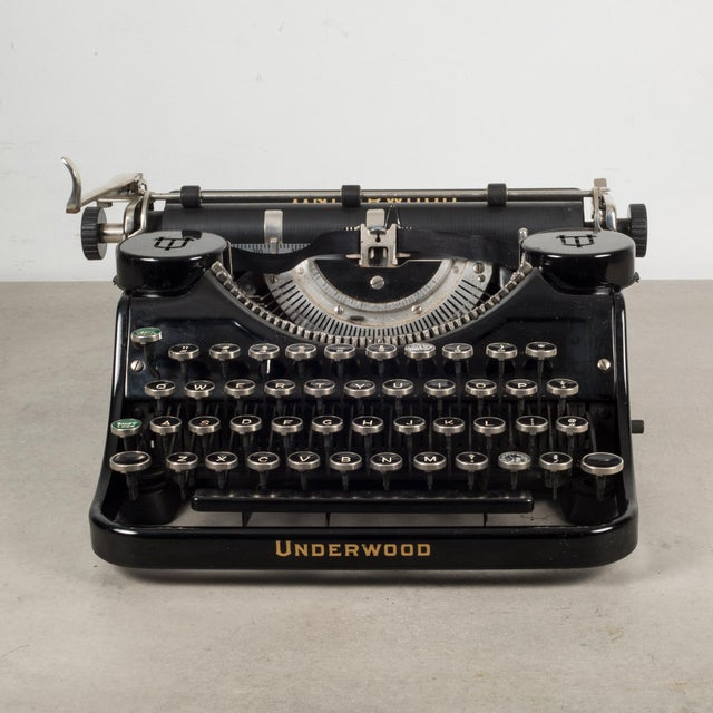 Art Deco Antique Underwood Universal Portable Four Bank Typewriter C.1935 For Sale - Image 3 of 12