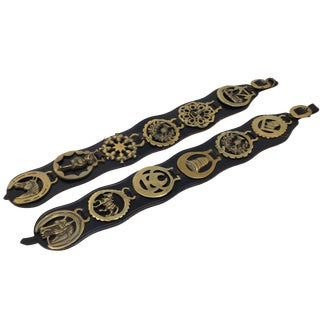 Vintage Black Leather Horse Bridle Straps With Brass Bridle Medallions - a Pair For Sale