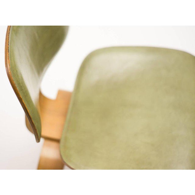 Rare Charles and Ray Eames DCW Chair in Green Leather For Sale - Image 6 of 10