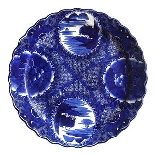 18th Century Imari Blue and White Round Scalloped Japanese Oversized Platter For Sale