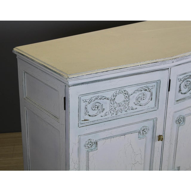Mid-Century Modern Henredon Mid-Century Neoclassical Style Cabinet For Sale - Image 3 of 11
