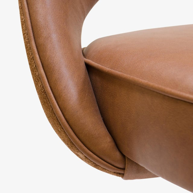 Saarinen Executive Armless Chair in Saddle Leather & Suede, Swivel Base For Sale In New York - Image 6 of 8