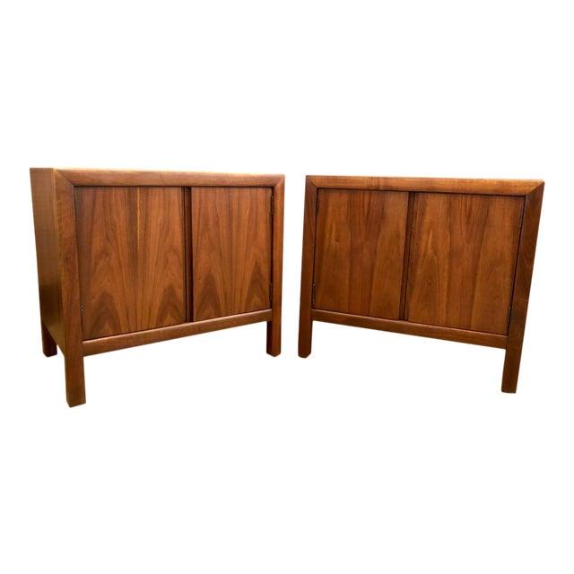 Pair of Mid Century Walnut Nightstands 196s For Sale