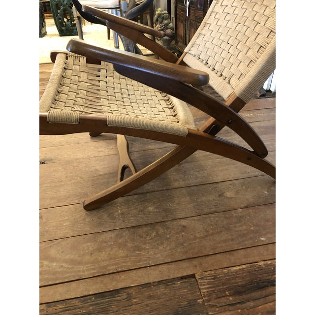 Mid-Century Modern Organic Mid Century Modern Woven Rope and Teak Folding Armchair For Sale - Image 3 of 12