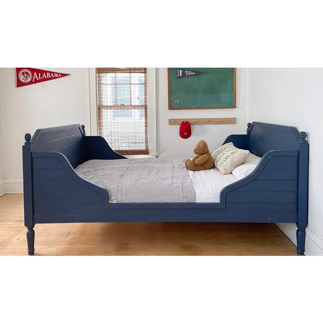 Our Jack's Nantucket Daybed is the essence of Classic Beach-House Style. Built using solid woods, time-honored woodworking...