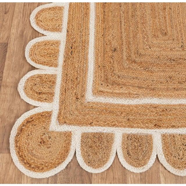 Fiber White Trim Jute Scallop Braided Handmade Rug For Sale - Image 7 of 10