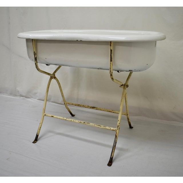 Mid 20th Century Vintage Porcelain Enamel Baby Bath For Sale - Image 5 of 9