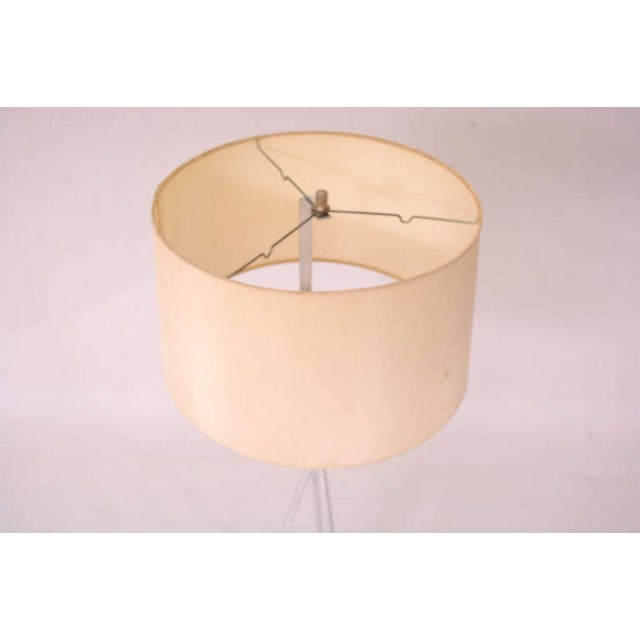 Mid-Century Modern Tripod Floor Lamp For Sale - Image 7 of 9