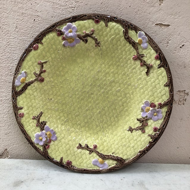 19th Century English Majolica Leaves Plate For Sale In Austin - Image 6 of 8