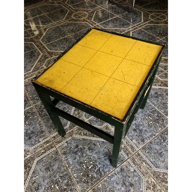 So fond of this smart vintage Kittinger functional accent table. Original paint—the piece, as is, offers a depth of color...
