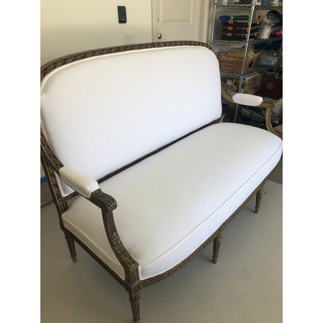 Wood Late 18th Century French Louis XVI Style Carved Settee For Sale - Image 7 of 8