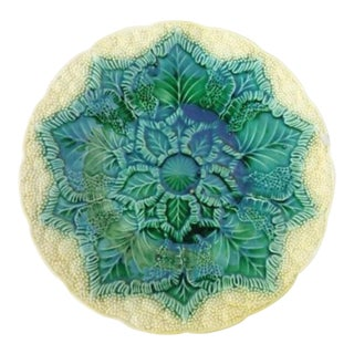 1920s Cottage Wedgewood Cauliflower and Leaf Majolica Plate For Sale