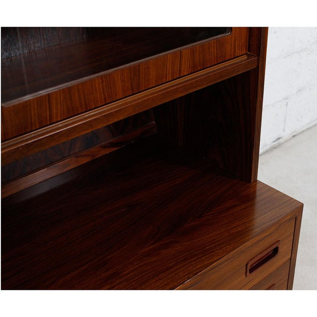 Danish Rosewood Bookcase / Display Cabinet For Sale - Image 4 of 8
