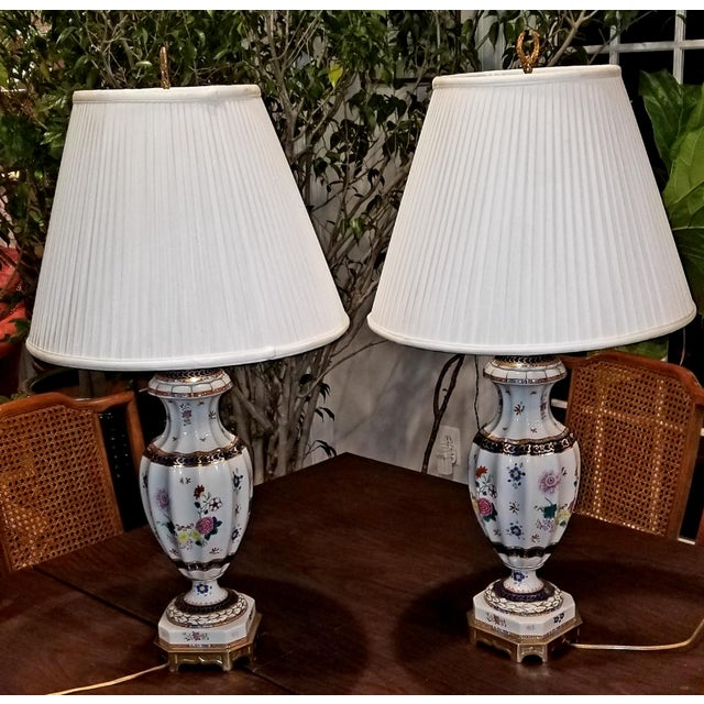 1970s Vintage Frederick Cooper Hand-Painted Lamps - a Pair For Sale - Image 5 of 5