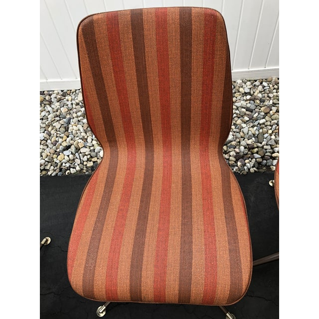 Howell Mfg. Vintage Mid Century Howell Acme Striped Vinyl Chairs- Set of 4 For Sale - Image 4 of 13