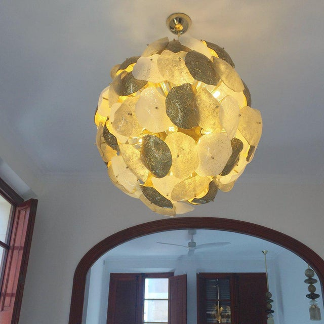 Glass Modernist Italian Gold Silver White Scavo Murano Glass Round Leaf Chandelier For Sale - Image 7 of 9