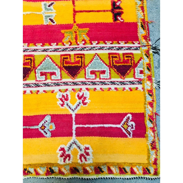 Moroccan Vintage Tribal Rug - 4′9″ × 6′11″ For Sale - Image 9 of 13